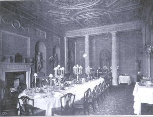 Lansdowne House - dining with a nude